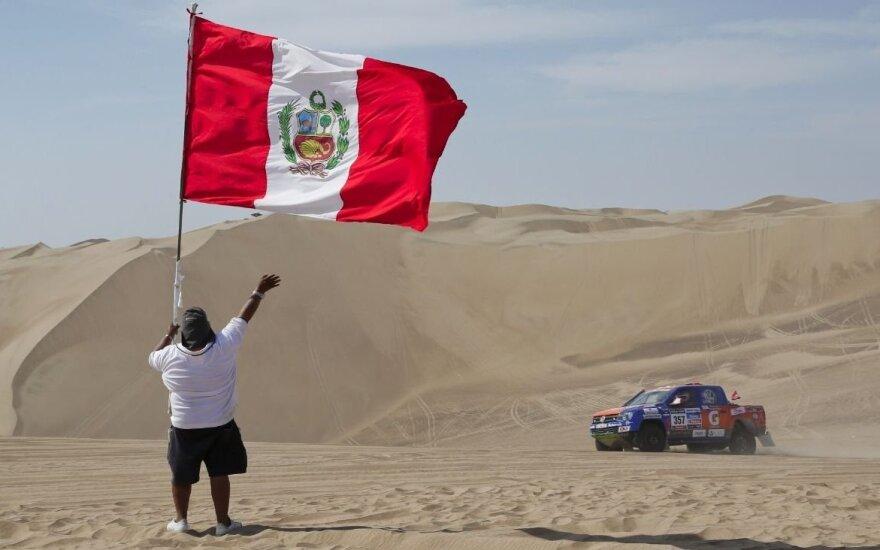 Dėl prognozuojamų gamtos stichijų iš Dakaro ralio žemėlapio traukiasi Peru