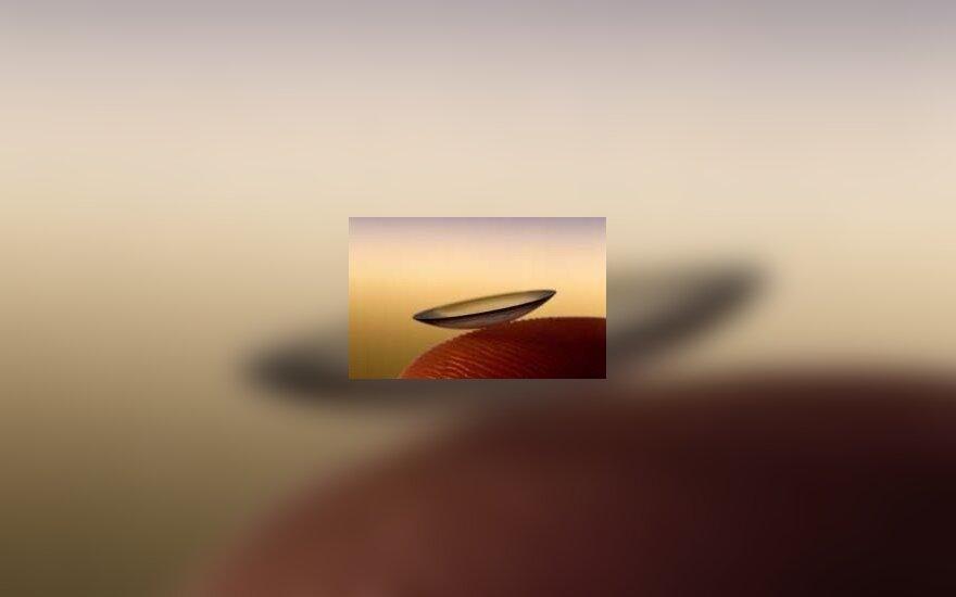 Aklumą išgydyti gali kontaktiniai lęšiai