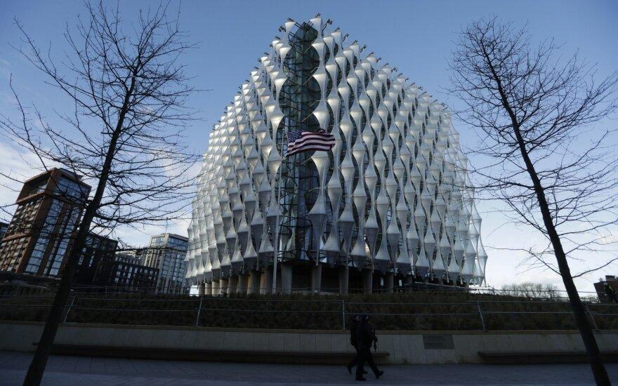 Londone atidaryta nauja JAV ambasada: jos įspūdinga statybų kaina papiktino Trumpą