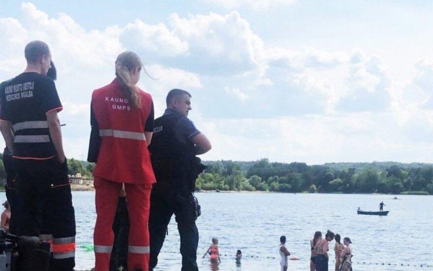 Kaune, Lampėdžių ežere, nuskendo paauglys, narai jo ieškojo kone porą valandų