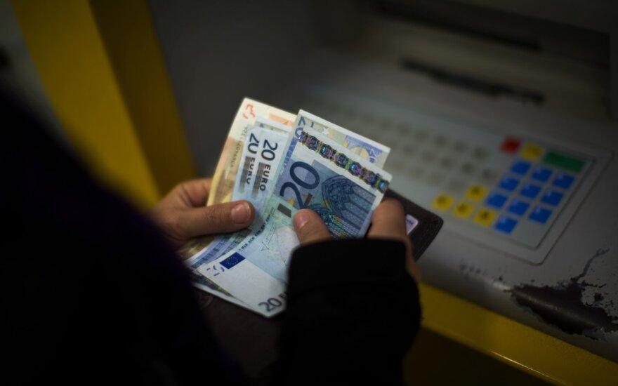 Šiaulių bankas siūlys grynuosius iš bankomato išsiimti bekontakčiu būdu