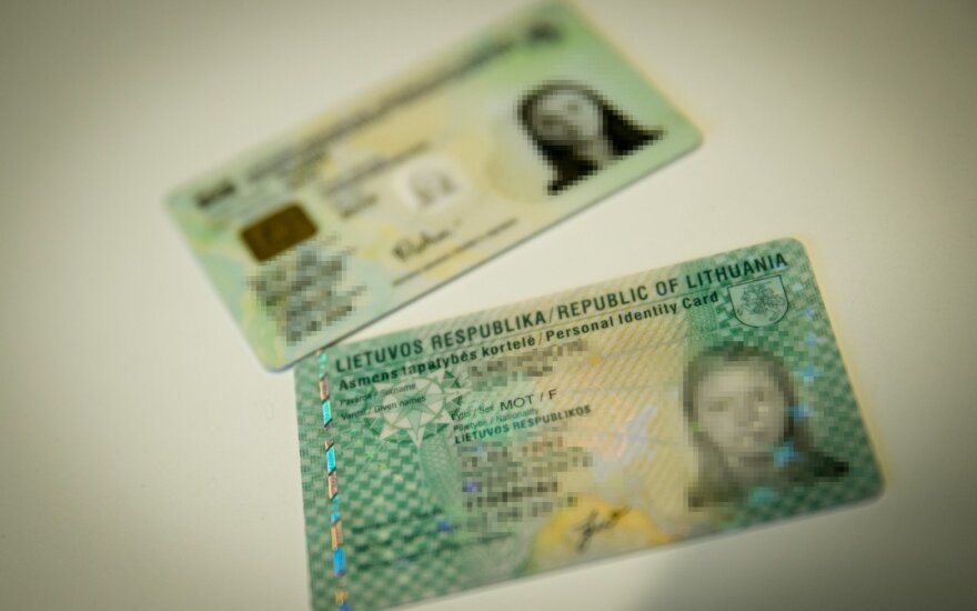 Dėl nesaugaus elektroninio parašo atšaukiama dalis tapatybės kortelių