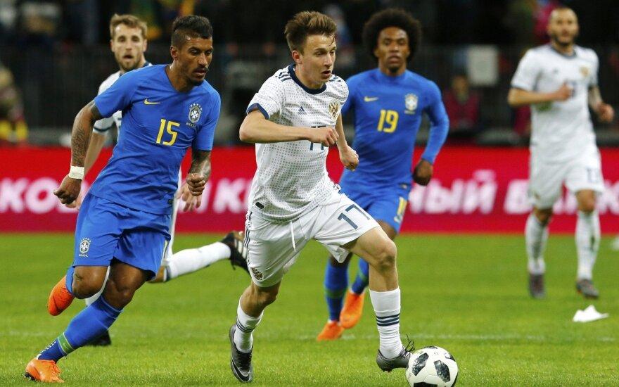 Paulinho ir Aleksandras Golovinas (su kamuoliu)