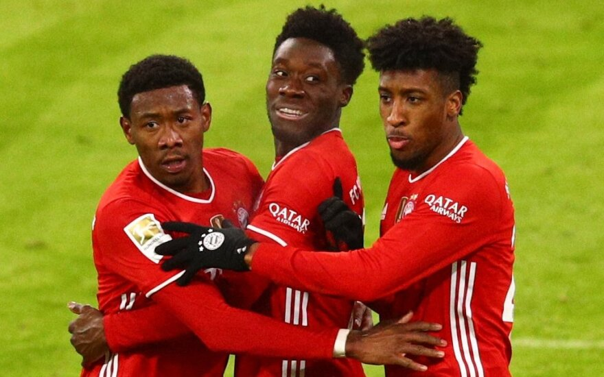 """""""Bayern"""" vos išvengė netikėto pralaimėjimo, """"Liverpool"""" nukrito į šeštą vietą"""