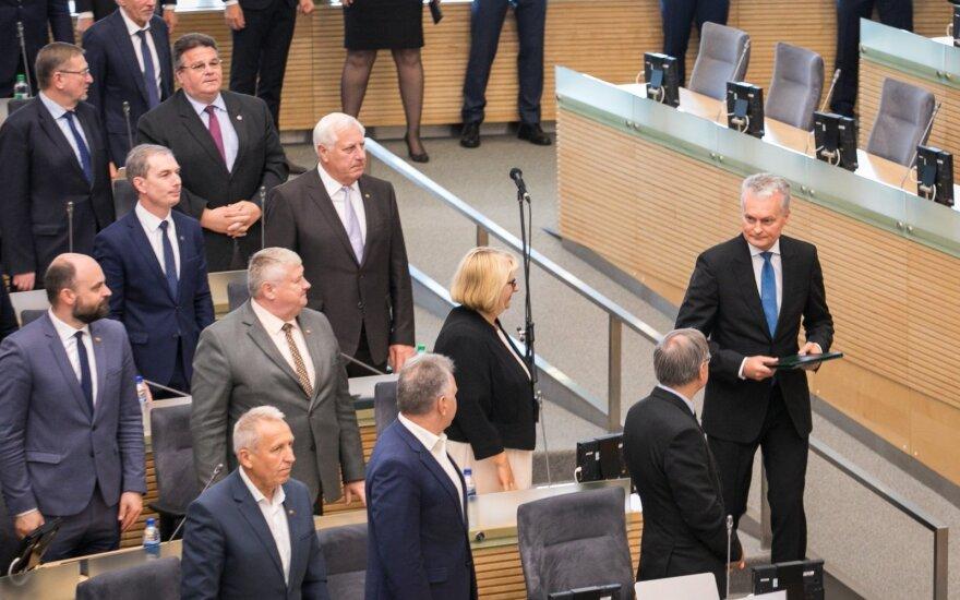 Seimas pritarė Nausėdai: pensijos augs dar šiek tiek daugiau