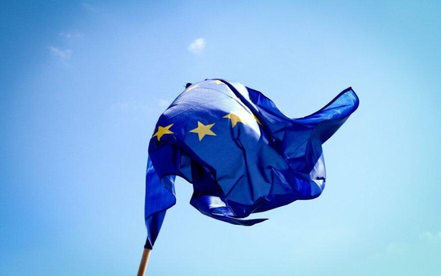 Kodėl europiečiai nepasitiki ES institucijomis, bet vis dar tiki pačia Europa?