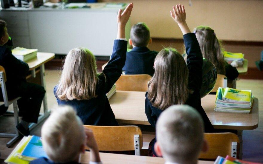 Pirmokų tėvai šturmuoja populiariausias mokyklas
