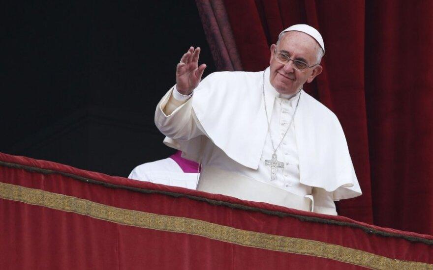 Popiežius pasmerkė religinių mažumų persekiojimą ir paragino siekti taikos Ukrainoje