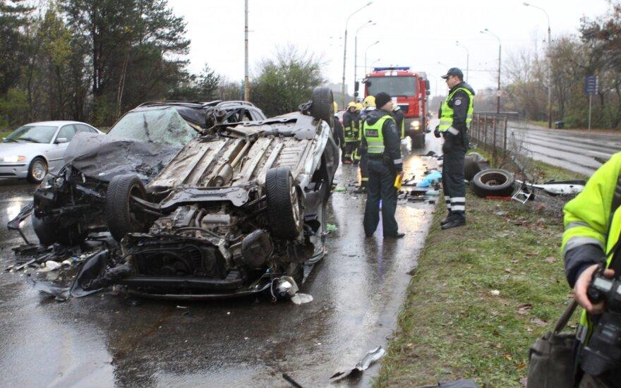 Liūdna lapkričio pradžia keliuose: tragiškų įvykių nepavyko išvengti