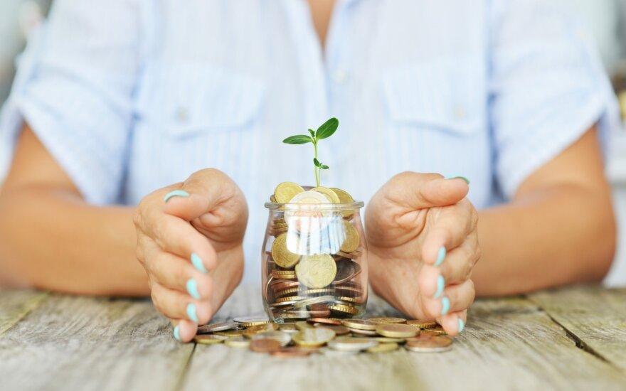 Verslas siūlo didinti konkurenciją bankų sektoriuje ir mažinti dirbančiųjų apmokestinimą