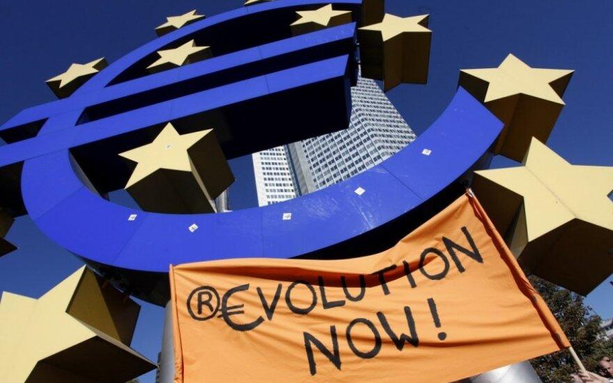 Euro zona pagaliau pasveiko