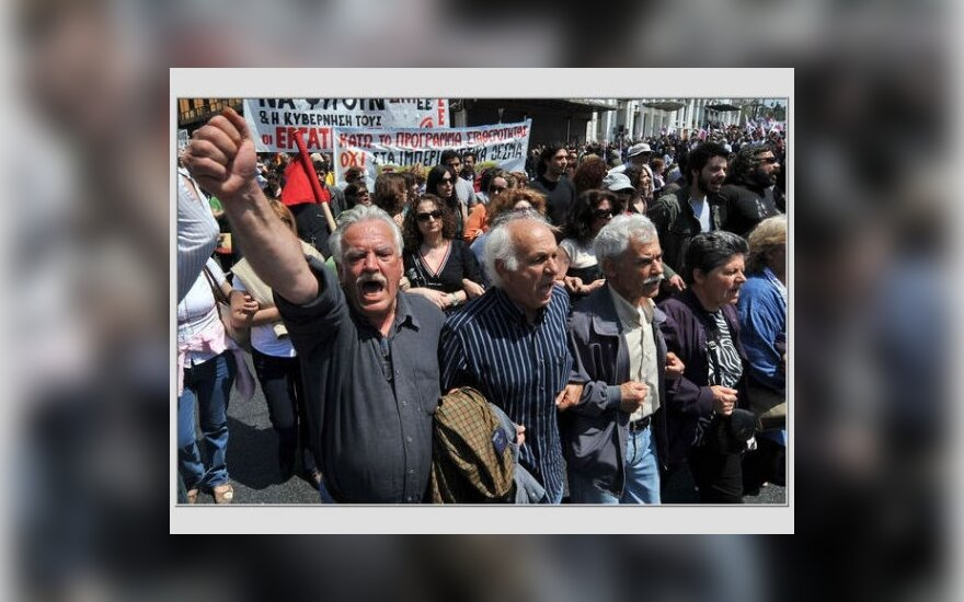 Protestai Graikijoje prieš griežtas taupymo priemones