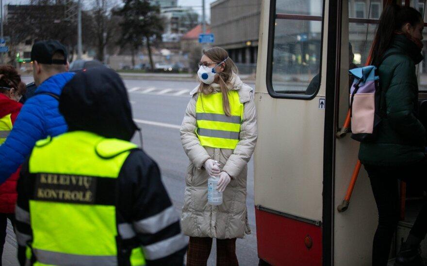 Vilniuje atšaukta dalis viešojo transporto maršrutų, trumpinamas darbo laikas