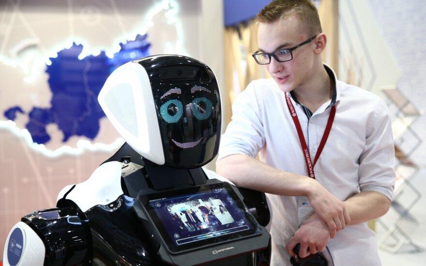 Bankų darbuotojų, kurie pergyvens robotų revoliuciją, laukia gera žinia