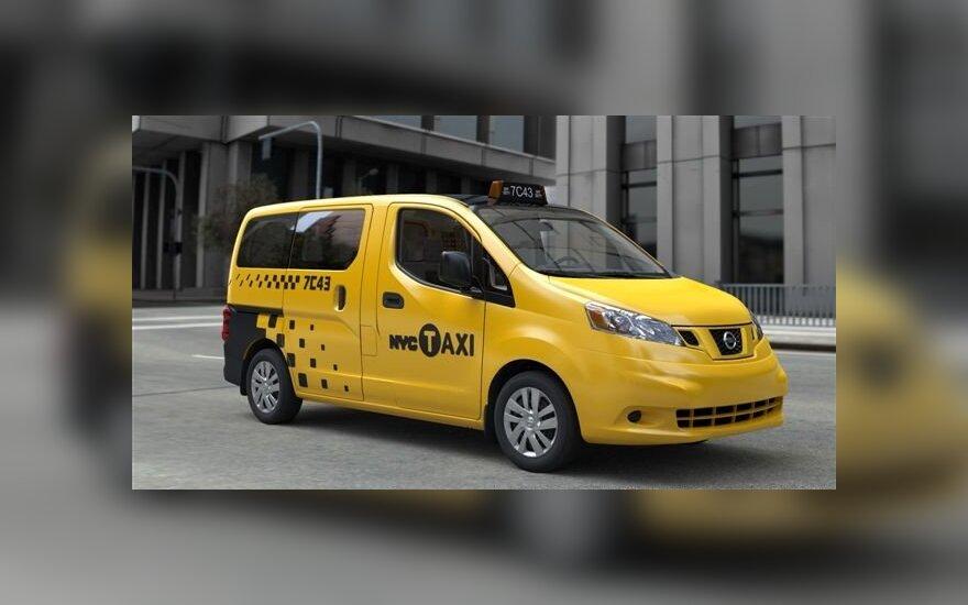 """Niujorko taksistai persės į """"Nissan"""" automobilius"""