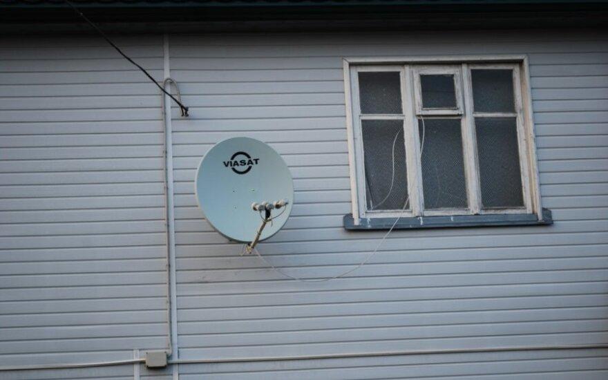"""Kai įstatymai galioja ne visiems: rusišką propagandą toliau transliuoja """"Viasat"""""""