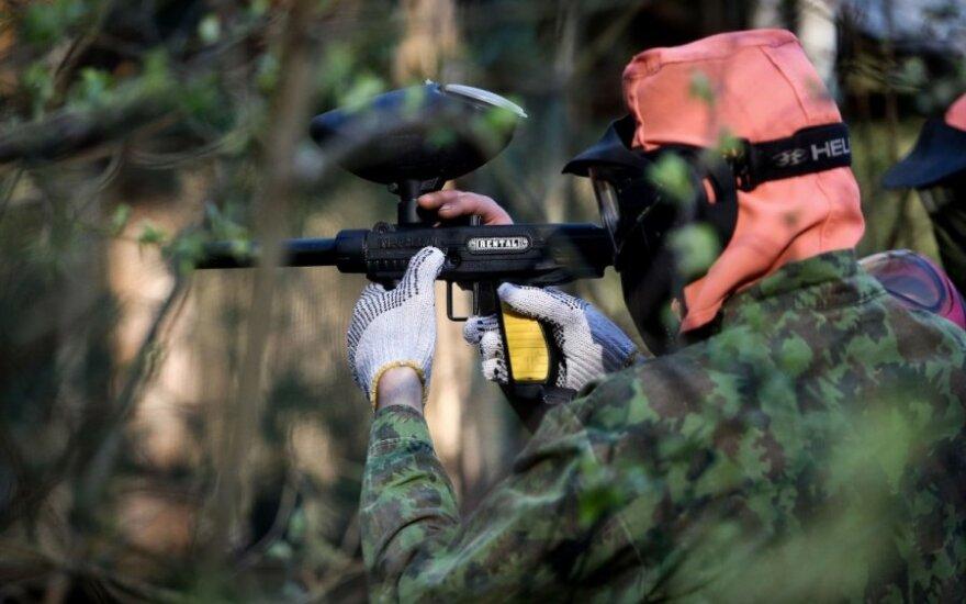 """Politikai griebėsi ginklų: socdemų taktika - """"nušauk G. Landsbergį"""""""