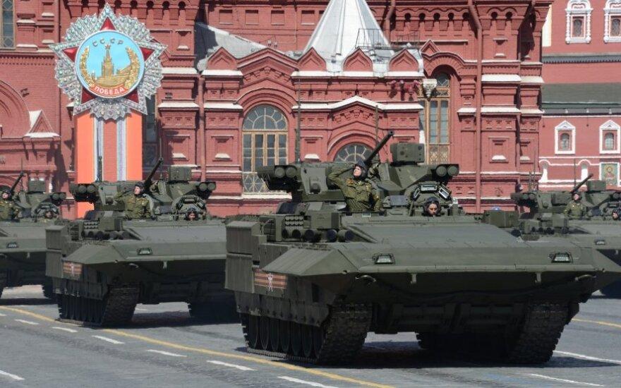 Naujojo Rusijos tanko konstruktoriai giriasi: sukūrėmė tai, ko nepavyko niekam