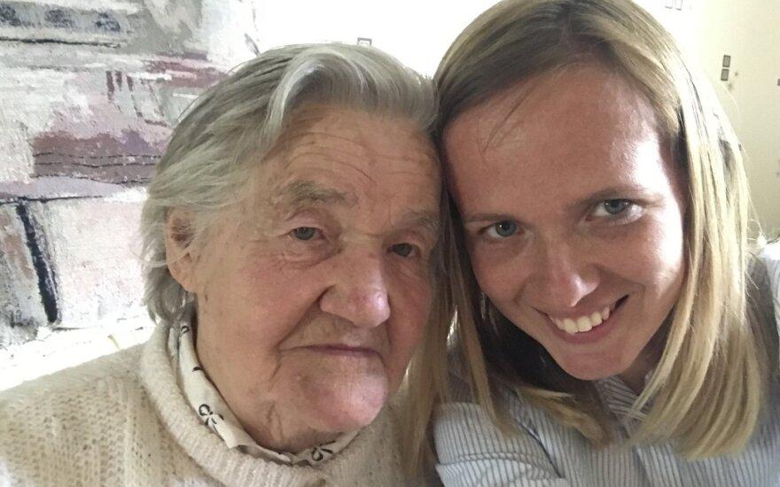 Živilė Kropaitė su močiute