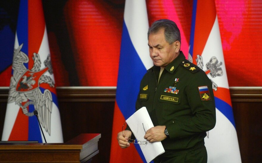 Rusijos ministras lygina britų kariuomenę su nacistinės Vokietijos pajėgomis