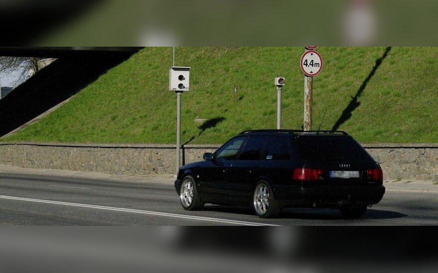 Greičio matuoklis, radaras, greitis, viršytas greitis, kelių erelis, automobilis, vairuotojas, eismas