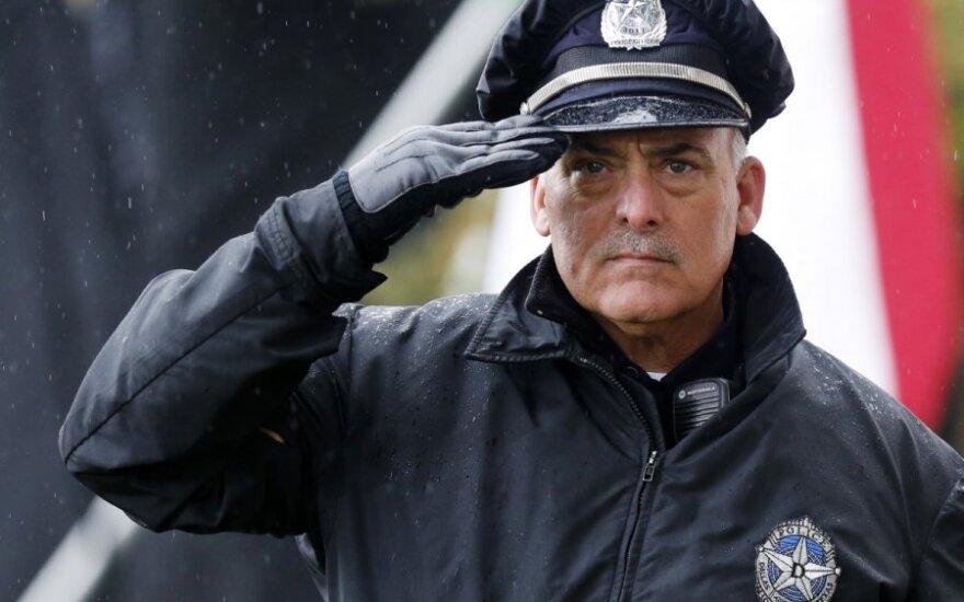 ES ir JAV – gerasis ir blogasis policininkas
