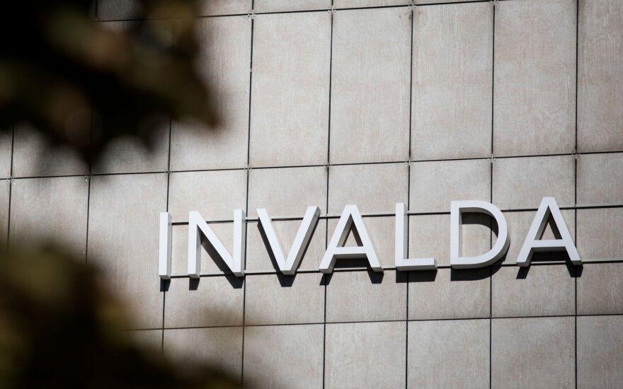 """Birža stabdo prekybą esminę informaciją turinčios paskelbti """"Invaldos INVL"""" akcijomis"""