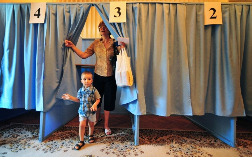 Moldavai vietos valdžios rinkimuose renkasi tarp Europos ir Rusijos