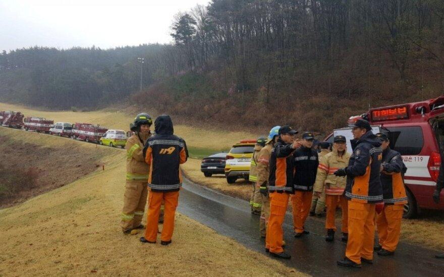 Pietų Korėjos kalnuose sudužo naikintuvas