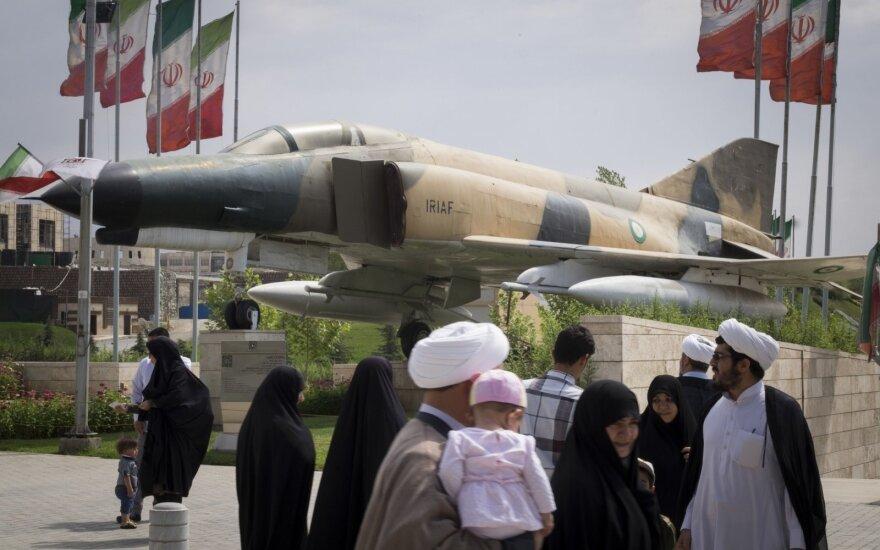 Neramus Iranas rengiasi JAV grąžinamų sankcijų įsigaliojimui