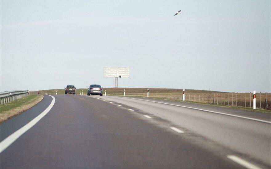 Greitį mėgstantiems vairuotojams drausminti – nauja priemonė