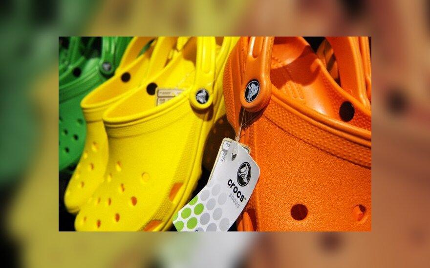 """""""Crocs"""" už batų reklamos teiginius mokės 0,6 mln. litų baudą"""