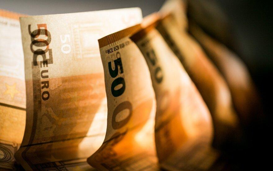 Fiskalinių rodiklių švieslentė: valdžios sektoriaus balansas geresnis, tačiau reikia didesnių rezervų
