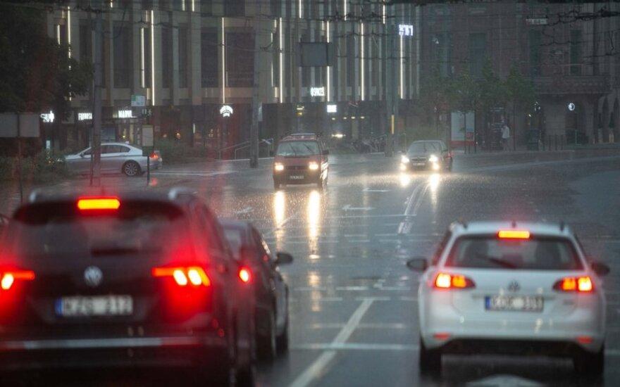 Orai: nauja lietaus porcija jau pakeliui