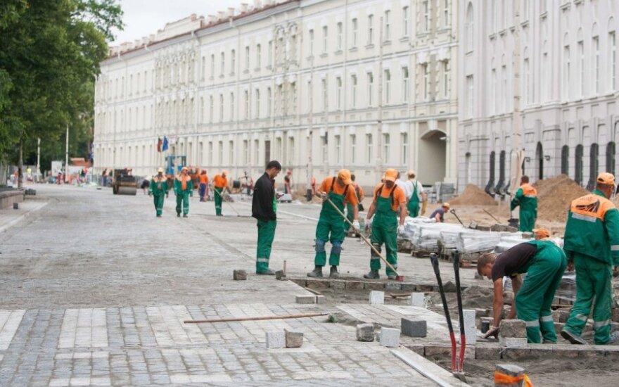 Prašo STT įvertinti, kaip tvarkomi Vilniaus rajono keliai