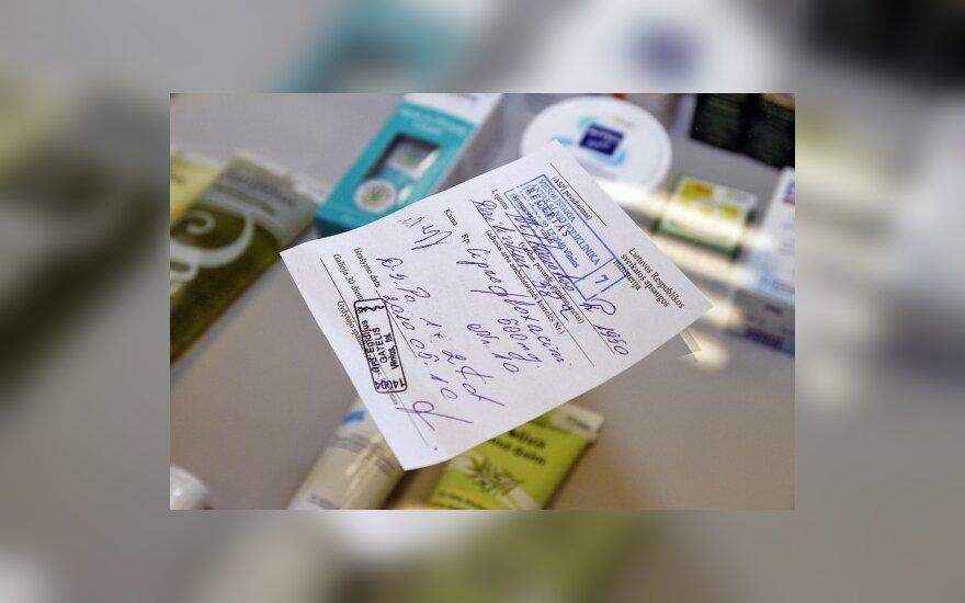 Receptų rašymo tvarka pasikeitė, farmacininkų įtaka gydytojams – ne