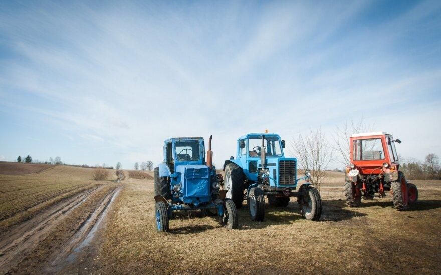 Azerbaidžane apvirtus traktoriui žuvo šešios moterys