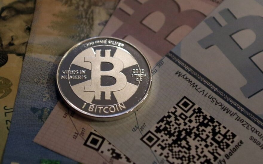 Latvia's airBaltic becomes world's first airline to accept Bitcoins