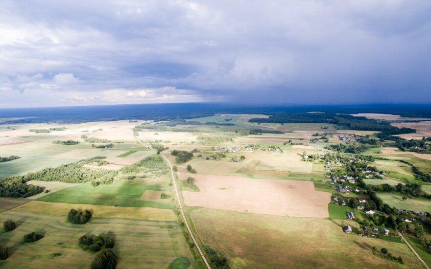 Didžiausi žemvaldžiai: kas dalinasi Lietuvą