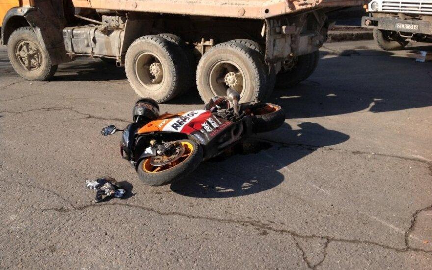 Klaipėdos r. per avariją sužalotas motociklininkas