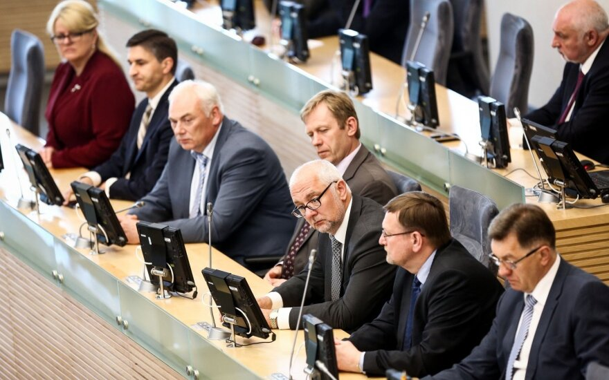 Lithuanian government faces prospect of confidence vote in parliament