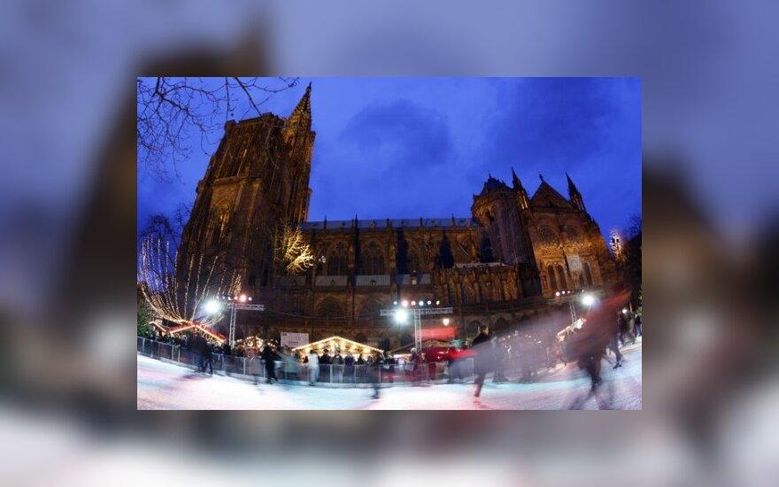 Vaizdai iš Europos: Strasbūras ruošiasi Kalėdoms