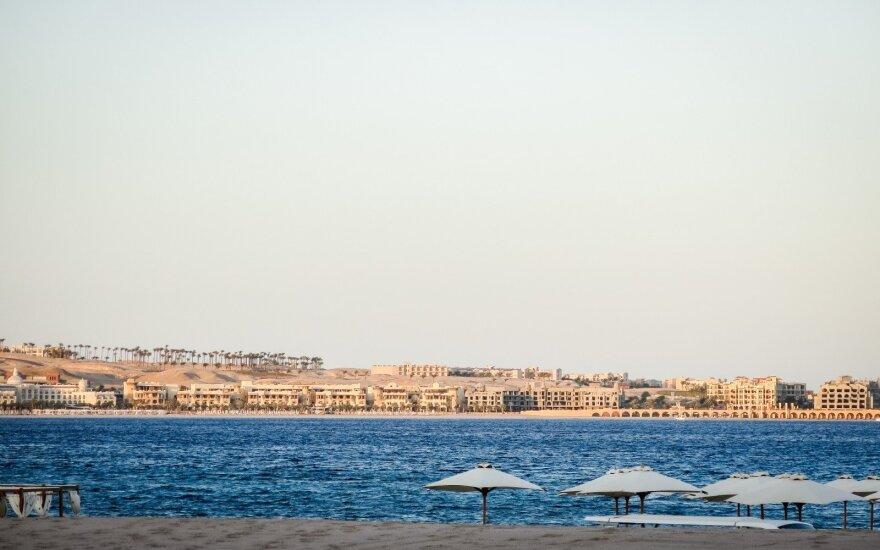 Per išpuolį Egipto Hurgados kurorte žuvo du turistai, dar keturi sužeisti