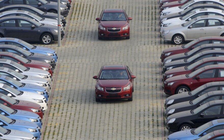 Automobiliai iš JAV: be 10 tūkstančių eurų net neapsimoka pirkti