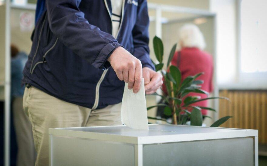 Iš anksto renkant tris Seimo narius balsavo 3,44 proc. rinkėjų