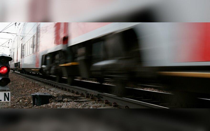 Traukinyje Vilnius–Klaipėda sujudimas: užstrigo keleiviai