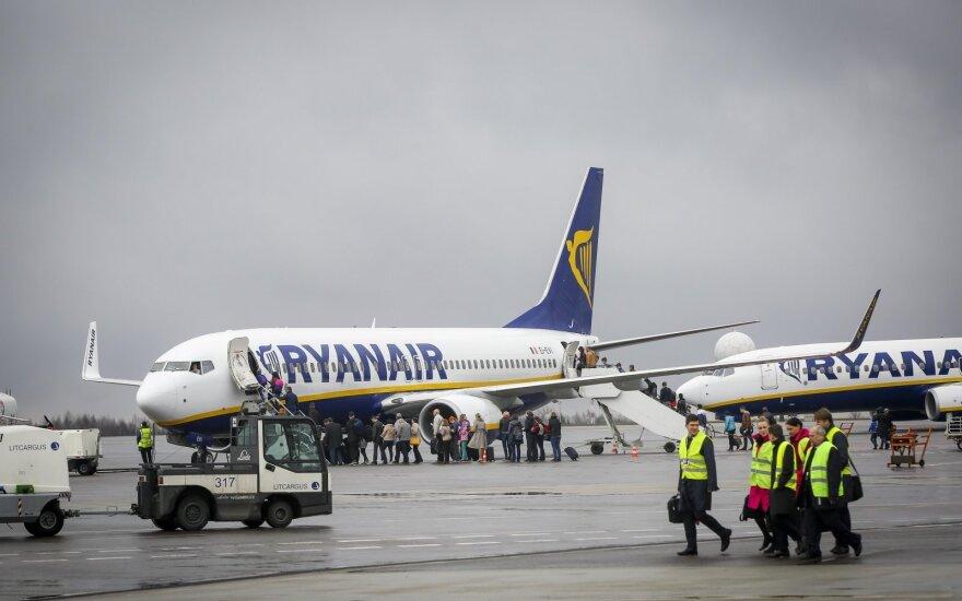 """""""Ryanair"""" keleivių skaičius auga, nepaisant atšaukiamų skrydžių"""