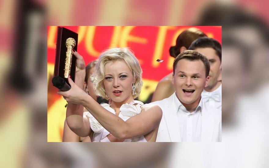 """""""Žvaigždžių duetus"""" laimėjo Mia ir G.Leškevičius, R.Ščiogolevaitei ir vėl teko tenkintis antrąja vieta"""