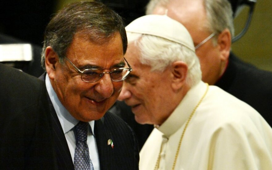 Popiežius Benediktas XVI ir Leonas Panetta