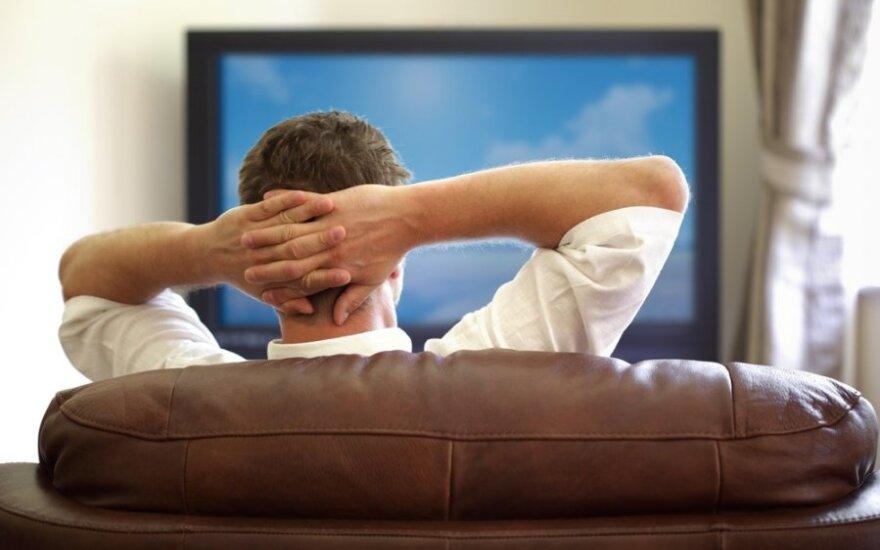 Neregėtas įžūlumas: vagys nugvelbė televizorių, kurį šeimininkas dar žiūrėjo